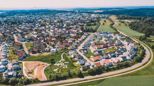 Welzheim, Haus mit rotem Punkt, fast am Stadtrand
